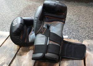 glove closure